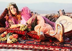 Mama Cass Elliot, Laurel Canyon, 1968. Photo by Henry Diltz.