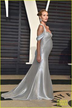 Pregnant Rosie Huntington-Whiteley Accentuates Baby Bump at Vanity Fair Oscars Party 2017 with Jason Statham!