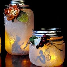 Night Light Jars DIY – You're able to mix and match unique varieties of jars and make a complete selection of sock vases. Now Mason jars may be used in a number of interesting DIY projects. Mason Jar Crafts, Mason Jar Diy, Diy Design, Design Ideas, Fairy Lanterns, Fairy Jars, Creation Deco, Jar Lights, Fairy Lights In A Jar