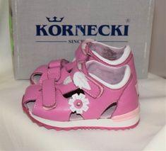 Kornecki sandały to buty wysokiej jakości, dobrze wyprofilowane i przede wszystkim wygodne. Zapobiegają powstawaniu wad postawy i wpływają na prawidłowy rozwój dzieci. Zapraszamy do zakupu!
