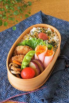 作り置きを詰めるだけのお弁当|毎日笑顔で過ごしたい Bento Box Traditional, Clean Recipes, Healthy Recipes, Japanese Lunch, Japanese Food, Bento Recipes, Hotel Food, Lunch To Go, Bento Box Lunch