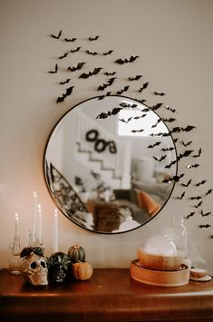 spooky szn 🦇 obviously can't wait for 31 days of halloween and apple cider so here we are. what is your fav halloween movie? Mine is hocus… Chic Halloween, 31 Days Of Halloween, Halloween Home Decor, Halloween Movies, Fall Home Decor, Autumn Home, Holidays Halloween, Halloween Decorations, Happy Halloween