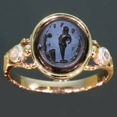 Early 19th century intaglio ring with rose cut diamonds