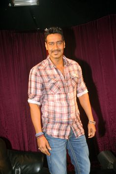 Ajay Devgan - Quickly click his snap while he is still in a good mood