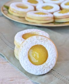 Lunettes de limón Desserts With Biscuits, Cookie Desserts, Cookie Recipes, Dessert Recipes, Sweet Cookies, Sweet Treats, Vegan Christmas, Love Food, Sweet Recipes