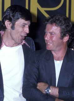 William Shatner and Nimoy were all smiles at the press conference for Star Trek - The Motion Picture in Star Trek Gifts, Star Trek Cast, Paddy Kelly, Star Trek Original Series, Star Wars, Leonard Nimoy, William Shatner, Star Trek Universe, Old Tv Shows