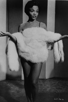 Inspiring Pics of Black Icons Serving Vintage Glam