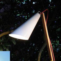 Lampa dekoracyjna Pit Out. Więcej informacji: http://www.lampy.pl/Lampa-dekoracyjna-Pit-Out-na-zewnatrz.html
