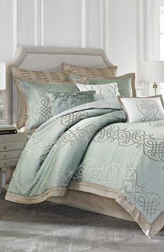 Vince Camuto 'Copenhagen' Comforter Set