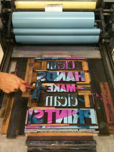 Amazing printing is done during the letterpress workshops in The Ampersand Museum.