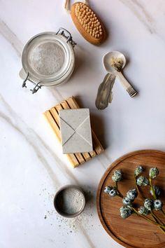 Clay eucalyptus soap made easy Diy Eucalyptus Soap, Eucalyptus Leaves, Diy Lotion, Homemade Scrub, Diy Spa, Homemade Beauty Products, Soap Recipes, Home Made Soap, Soap Making