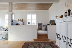 Raised floor, wooden ceiling, print. Thought an isolated are like that may be strange in the overall plan…