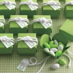 Cute idea! They also provide you with a link for making the dif knots. Most are pretty easy to do! 09.14.15 - Along with the horseshoe clip art seen above, we've got butterfly, four-leaf clover, and dragonfly motifs for you to use to at your wedding.