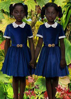 Foto gemaakt door Ruud Van Empel, Afrika, 2007, ik vind het een mooie foto want de meisjes vallen heel erg op in deze foto.