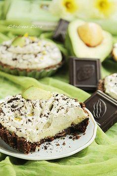 Mini tarte cu avocado