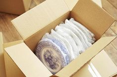 An easy step-by-step guide to packing plates and flatware to ensure they arrive at their destination in one piece.
