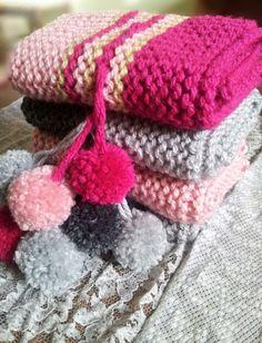 Cuellos con borlones de tresCandela