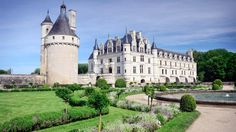 A World Heritage Site located in central France, Loire Valley is known for its historic towns, chateau-inspired architecture and vineyards. Trail rides wind through the French countryside and forests, providing riders with stunning landscape views of rolling hills and castles that make for a riding experience that's straight out of a fairytale.
