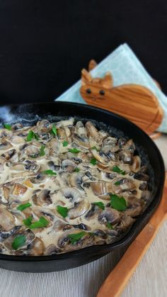 How To Cook Mushrooms, Good Food, Yummy Food, Romanian Food, Healthy Tips, Vegetable Recipes, Side Dishes, Stuffed Mushrooms, Food And Drink