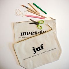 COTTON BAG (5) Bag Quotes, Quotes Quotes, Presents For Teachers, Paper Packaging, Silhouette Cameo Projects, Simple Gifts, Cotton Bag, Flocking, Mom And Dad