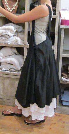 ROBE FEMME ALTA NOIRE  AUREA VITA  sur le site http://www.lacledeschamps-ales.com