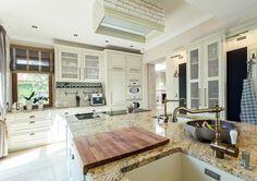 Studio AEG - NOWOCZESNA RUSTYKALNA KUCHNIA- Jest to kuchnia, która łączy w sobie styl klasyczny jak i nowoczesny.