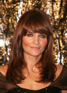 Beauty Tips, Celebrity Style and Fashion Advice from InStyle Helena Christensen Hair Trend Fringe Long Bob Hairstyles, Fringe Hairstyles, Celebrity Hairstyles, Hairstyles With Bangs, Pretty Hairstyles, Chocolate Auburn Hair, Cheveux Beiges, Chestnut Hair, Dark Hair With Highlights