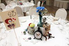 Una boda inspirada en Alicia en el País de las Maravillas. Decoración de las mesas.