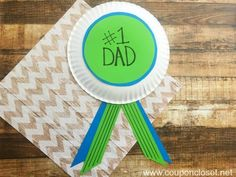 15 Easy DIY Gifts For Father's Day. These easy homemade Father's Day gifts are perfect for toddlers and young kids to make Diy Father's Day Gifts Easy, Diy Father's Day Crafts, Homemade Fathers Day Gifts, Fathers Day Presents, Father's Day Diy, Fathers Day Crafts, Easy Crafts, Paper Plate Crafts For Kids, Paper Crafts For Kids