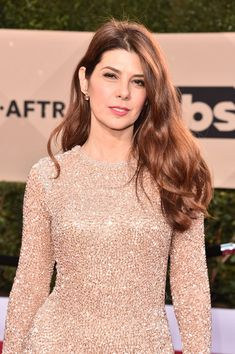Marisa Tomei Photos - Actor Marisa Tomei attends the Annual Screen Actors Guild Awards at The Shrine Auditorium on January 2018 in Los Angeles, California. Nail Art Videos, Beautiful Old Woman, Most Beautiful Women, Classic Actresses, Beautiful Actresses, Marisa Tomei Hot, Marissa Tomei, Vanity Fair Oscar Party, Hollywood