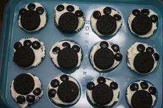 Recipe Shoebox: Wacky Cake (with Paw Print Decorations)