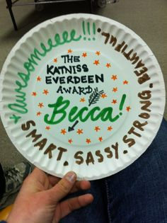 Paper Plate Awards - Positive Community Building activity that connects to novel and character traits! Could also do a tie in with vocabulary words! Paper Plate Awards, Fun Awards, Georgia College, Volunteer Management, Student Leadership, Cheer Camp, Leader In Me, Spirit Awards, Season Of The Witch