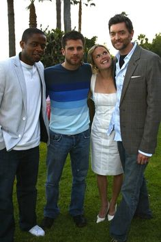 Look how young they are! Psych Cast, Psych Tv, Psych Movie, Movie Tv, Best Tv Shows, Best Shows Ever, Carlton Lassiter, Maggie Lawson, Psych Memes