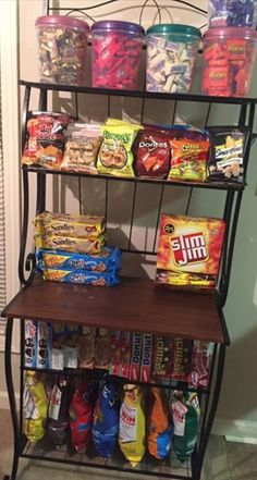 Delicious Junk Food Snacks although Healthy Snack Foods For Diabetics if Snack Food Ideas For Party any Healthy Snack Ideas Food List Snack Station, Snack Bar, Pyjama-party Essen, Sleepover Food, Junk Food Snacks, First Apartment Decorating, Food Goals, Dream Rooms, My New Room