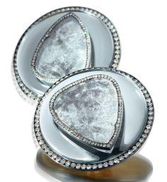 A pair of diamond and mirror earrings, by JAR. Estimate USD - [C. Magnificent Jewels - 17 May 2017 - Geneva] Jar Jewelry, Jewelry Art, Silver Jewelry, Stone Earrings, Diamond Earrings, Jewelry Design Drawing, Pearl Diamond, Schmuck Design, Diamond Cuts
