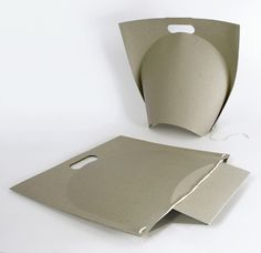 Polish design student Ryszard Rychlicki has designed a shopping bag made of folded recycled paper.