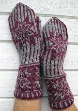 Gorgeous knit Swedish mittens