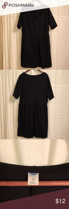 Old Navy cotton jersey knit dress - Slightly fitted at top with a full skirt - Dress hits above knee - Cinched, elasticized waist - Short sleeve  - 93% cotton, 7% spandex  - Black - Excellent used condition Old Navy Dresses Midi