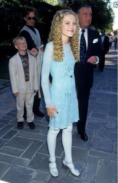 Kirsten Dunst at the MTV Movie Awards, 1995 The time she wore jellies heels with white tights. Tres chic.
