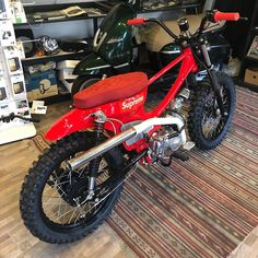 Excellent custom bikes images are offered on our internet site. Check it out and you wont be sorry you did. Vespa, Honda Scooters, Honda Bikes, Honda Cub, Tracker Motorcycle, Motorcycle Style, Custom Moped, Custom Bikes, Bici Fixed