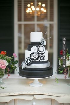 Yes - black and white cake   @carly k. Joy + @Nancy Ray   CHECK OUT MORE GREAT BLACK AND WHITE WEDDING IDEAS AT WEDDINGPINS.NET   #weddings #wedding #blackandwhitewedding #blackandwhiteweddingphotos #events #forweddings #iloveweddings #blackandwhite #romance #vintage #blackwedding #planners #whitewedding #ceremonyphotos #weddingphotos #weddingpictures