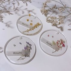 Guest table becomes gorgeous ♡ Colorful cute `` resin . Diy Resin Art, Epoxy Resin Art, Diy Resin Crafts, Handmade Crafts, Diy And Crafts, Rainbow Decorations, Pressed Flower Art, Rainbow Crafts, Resin Charms