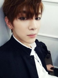 """Sungoh """"V look-a-like"""""""