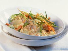Puten-Currygeschnetzeltes ist ein Rezept mit frischen Zutaten aus der Kategorie Pute. Probieren Sie dieses und weitere Rezepte von EAT SMARTER!