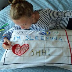 Doodle Pillowcase and Pen Set