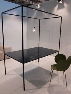 Le studio espagnol TEd'A arquitectes, nous présente son projet Aina, véritable meuble multifonctions mixant fonction de bureau, étagère, table, bibliothèque