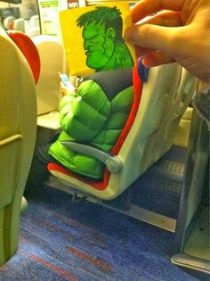 Now here's something fun to try during your next bus ride! Gotta love The Incredible Hulk! Illustrator October Jones spruces up the daily train commute by turning fellow passengers into funny cartoon characters with his post-it note doodles. Cartoon Head, Funny Cartoon Characters, Cartoon Faces, Cartoon People, October Jones, Funny Drawings, Cartoon Drawings, Kawaii Drawings, Zug Illustration