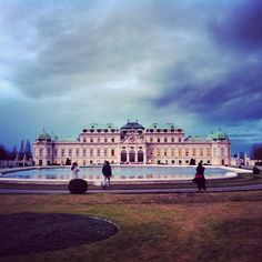 """See 3506 photos and 279 tips from 23904 visitors to Oberes Belvedere. """"Beautiful palace with fountains and garden in front of it. Baroque Architecture, Palaces, Vienna, Four Square, Travel Inspiration, Louvre, World, Building, Beautiful"""