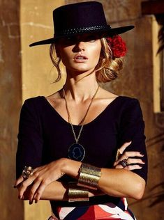 Cowgirl Style with a Spanish/Goucho influence. Cowgirl Style, Moda Cowgirl, Fashion Foto, Look Fashion, Womens Fashion, Fashion Design, Fashion Trends, Fashion Guide, 50 Fashion