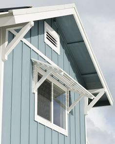 53 Ideas For Exterior Window Shutters Architecture Exterior House Colors, Exterior Design, Exterior Trim, Garage Exterior, Building Exterior, Bahama Shutters, Bermuda Shutters, Diy Awning, Porch Awning